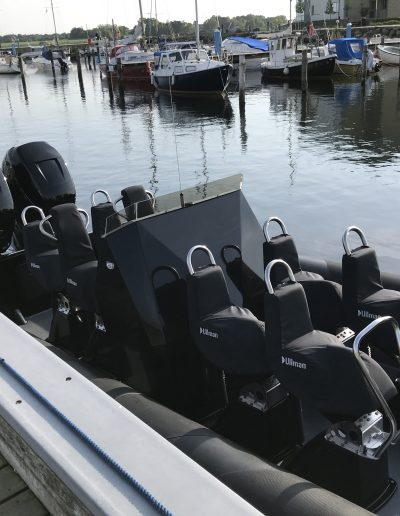 RavenRib Commercial ravenrib Commercial with 8 seats